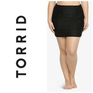 NWT Torrid black swim skirt sz 0